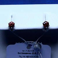 Серебряные серьги-пусеты с фианитом под гранат сс 541/2гр пус, фото 1