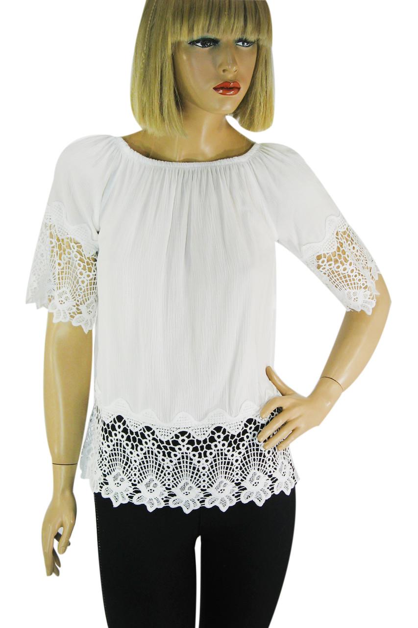 Біла блузка з коротким рукавом і мереживом