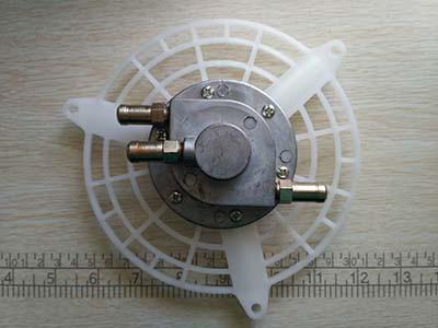 Насос бензинового опрыскивателя 3W-650 (металлический)