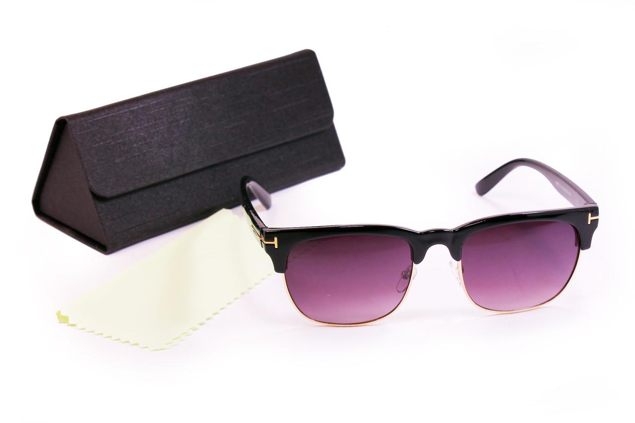 Солнцезащитные очки UV400 с футляром Черные (F8002-2)