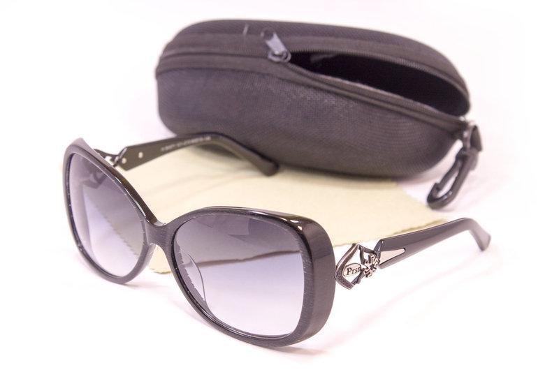 Женские солнцезащитные очки Черные + Футляр Серый (F6971-13)