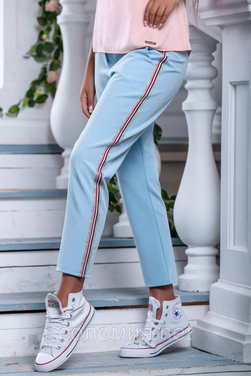 Стильные брюки с яркими нашивными лампасами  42-50р