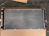 Радиатор охлаждения VW Transporter T-4 1.9TD/2.5TDi 720x350 701121253F