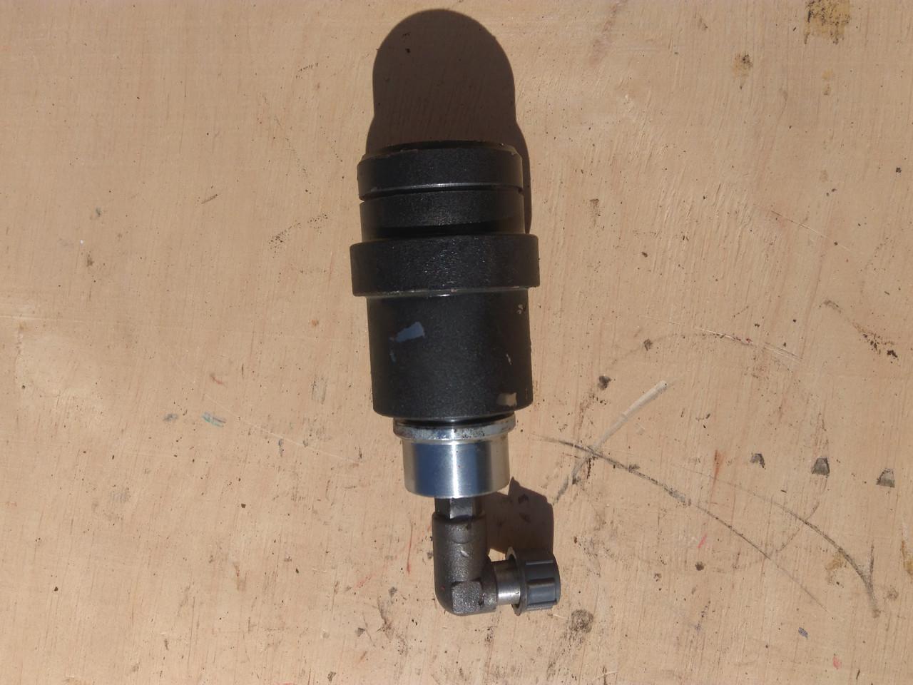 Гидроцилиндр вариатора вентилятора ДОН-1500 ЦС 8300