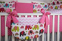 """Карман органайзер на детскую кроватку """"Цветные слоны, розовый зигзаг и горошек на малиновом"""""""