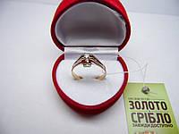 Золотое женское кольцо с драгоценными камнями. Размер 19