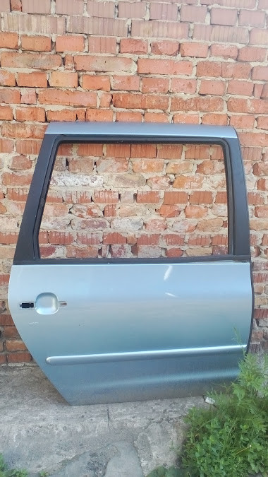 Б/у двері задні права для Volkswagen Sharan