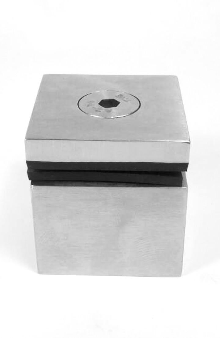 ODF-06-08-01-L20 Коннектор квадратный 38х38 с дистанцией 20 мм
