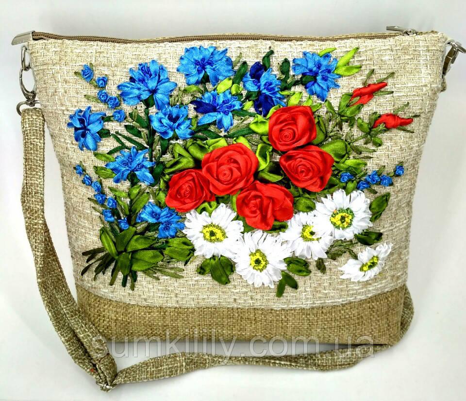 e97f9d1353bf Сумочка с вышивкой лентами Букет с розами, цена 750 грн., купить в ...