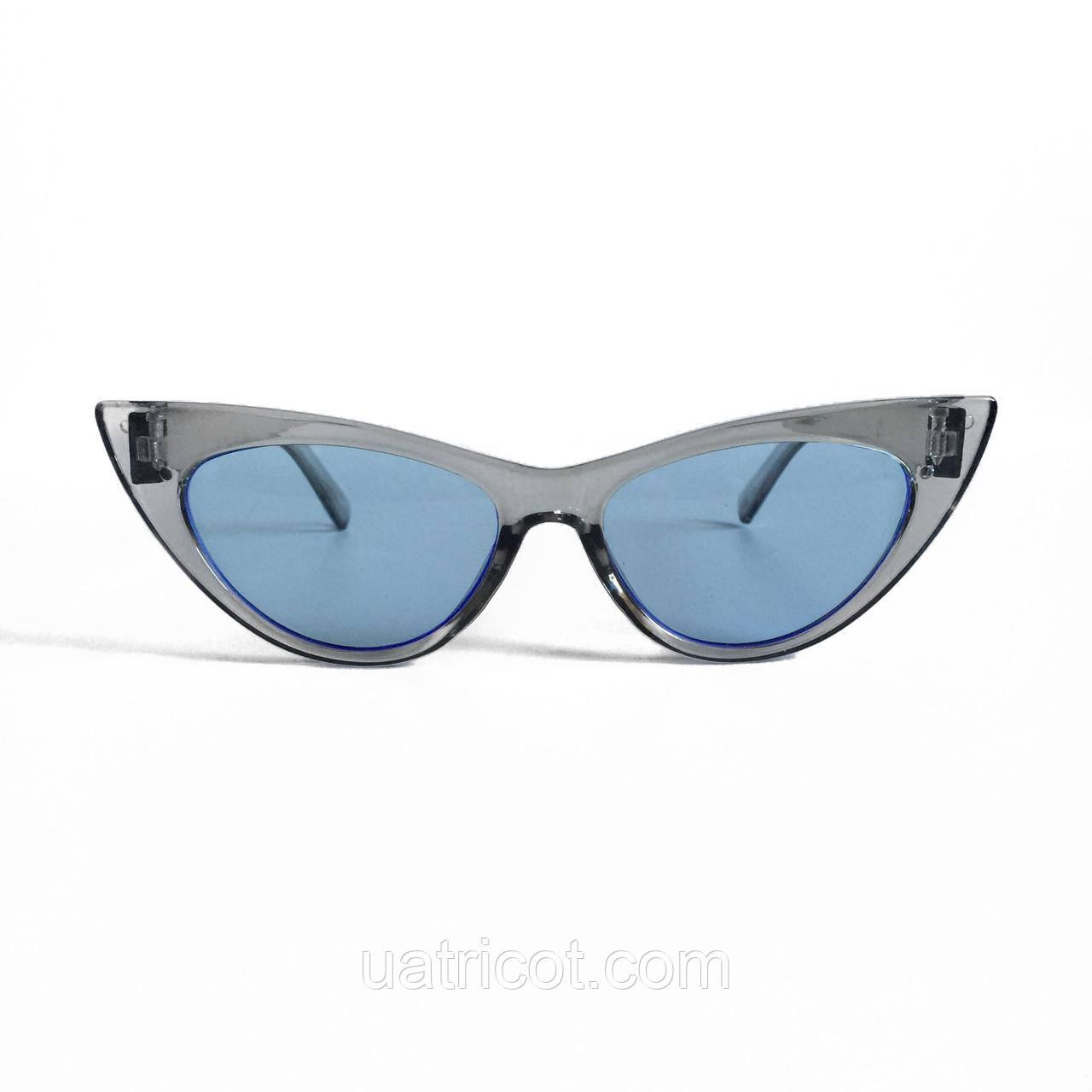 Женские солнцезащитные очки лисы в прозрачной оправе с голубыми линзами