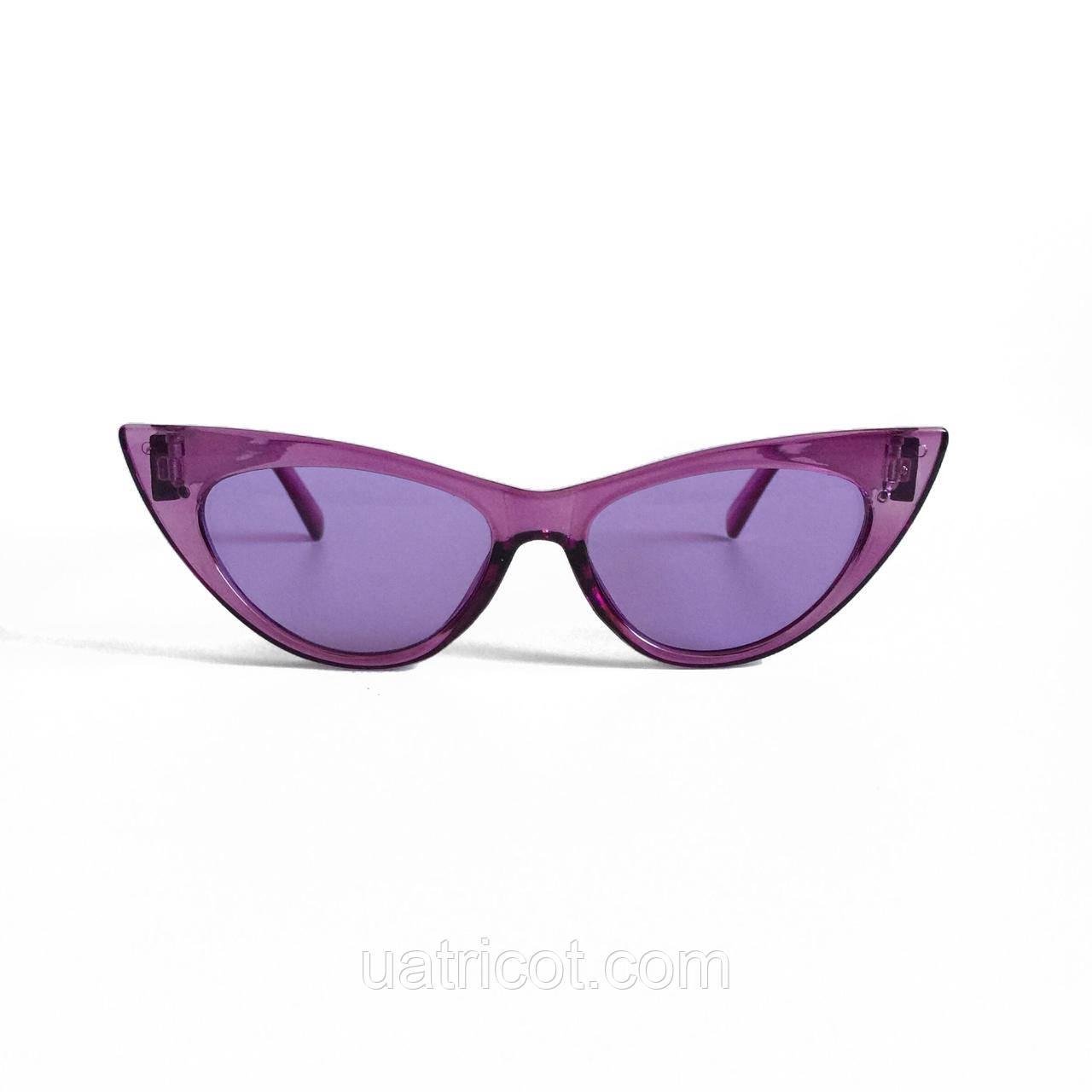 Женские солнцезащитные очки лисы в сиреневой оправе с сиреневыми линзами
