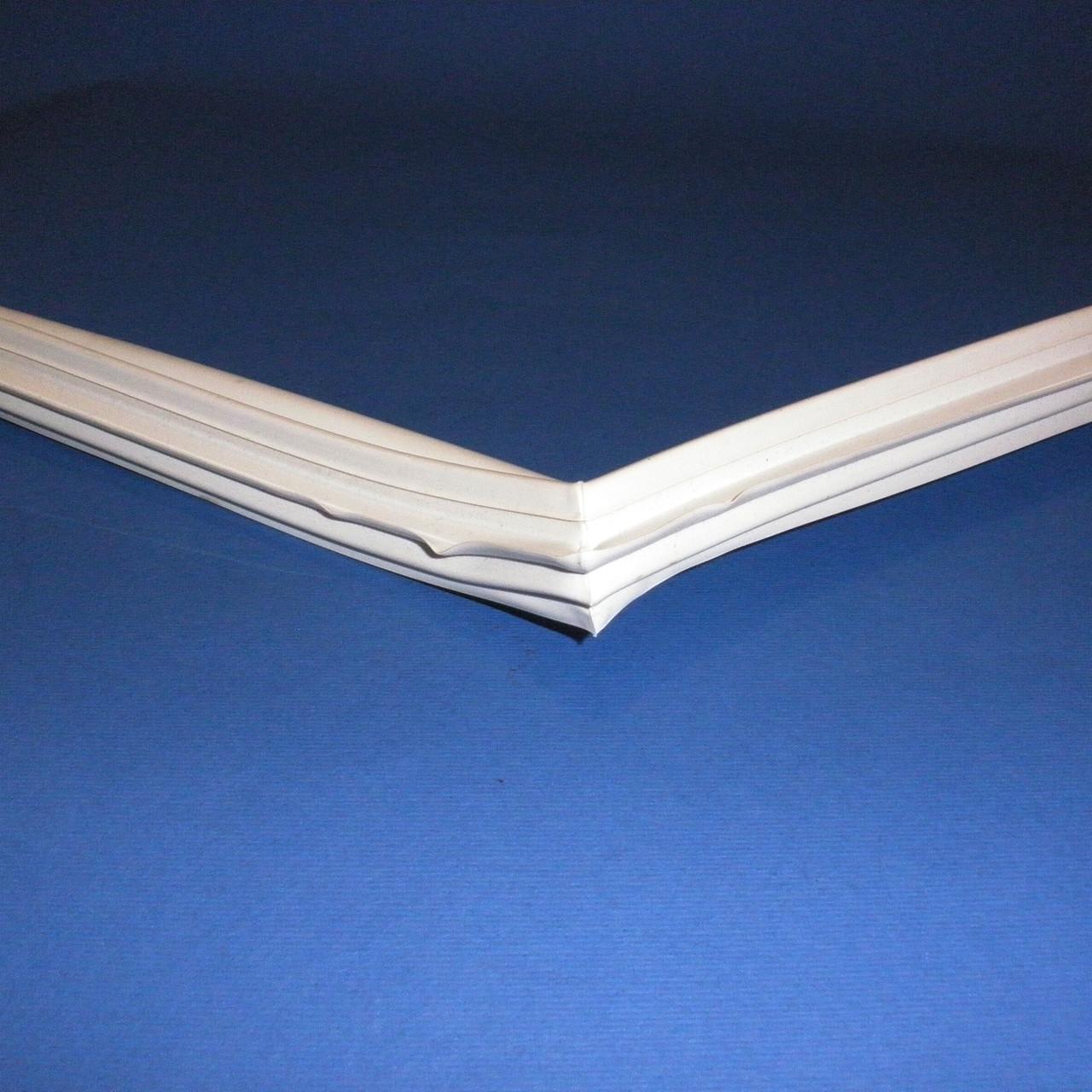 Уплотнительная резина для  холодильников Атлант 405x556 мм