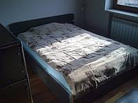 Кровать двуспальная с подъемным механизмом и нишей для белья