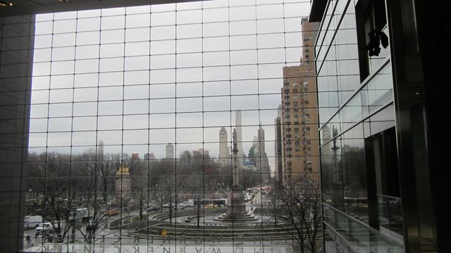 Раздел Трикотажные брюки - фото teens.ua - Нью-Йорк,Columbus Circle,зима