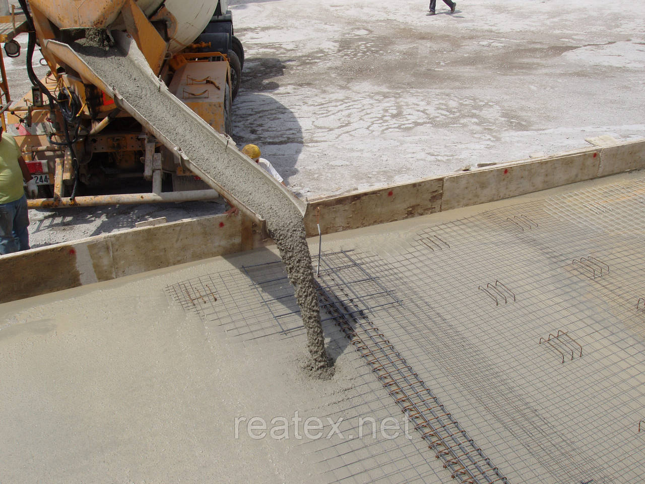 Аналога бетона оштукатуривание стен своими руками цементным раствором видео