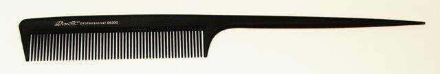 Расчёска парикмахерская с хвостиком ДенІС 06300