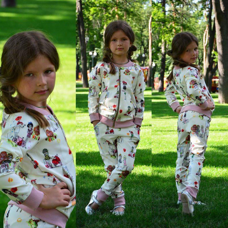 Детский спортивный костюм на девочку с принтом