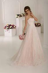 Свадебные платья маленьких размеров – красивые наряды для миниатюрных дам от AmourShop
