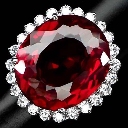 Серебряное кольцо  .Размер 17- 17.5 Топаз
