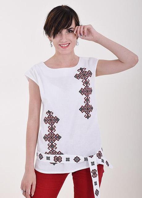 Женская вышитая блуза с вышитой спинкой