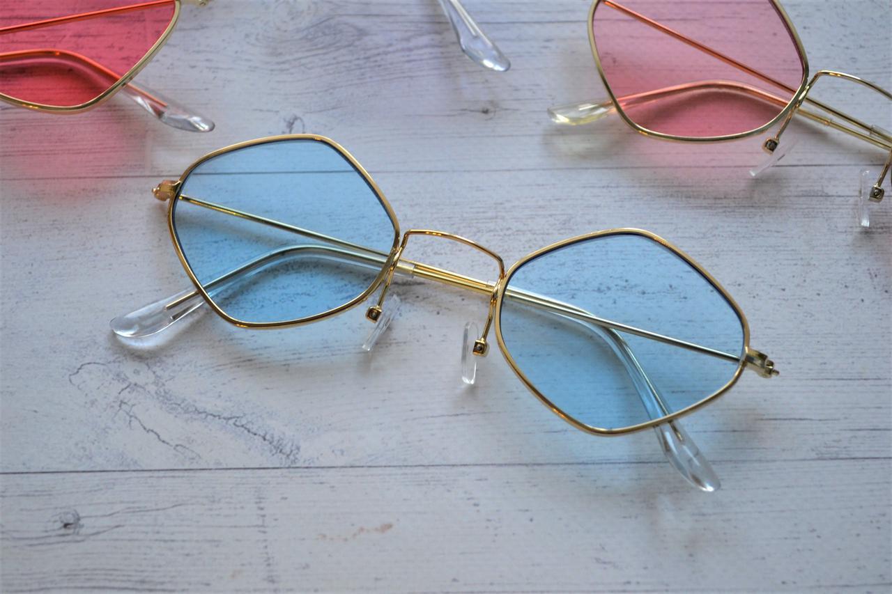 Солнцезащитные Очки Ромб с Цветной Линзой Голубой — в Категории