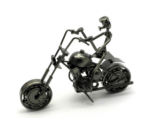 Техно-арт статуэтка мотоциклиста, байкера