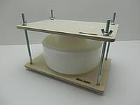 Пресс для сыра с металл. направляющими