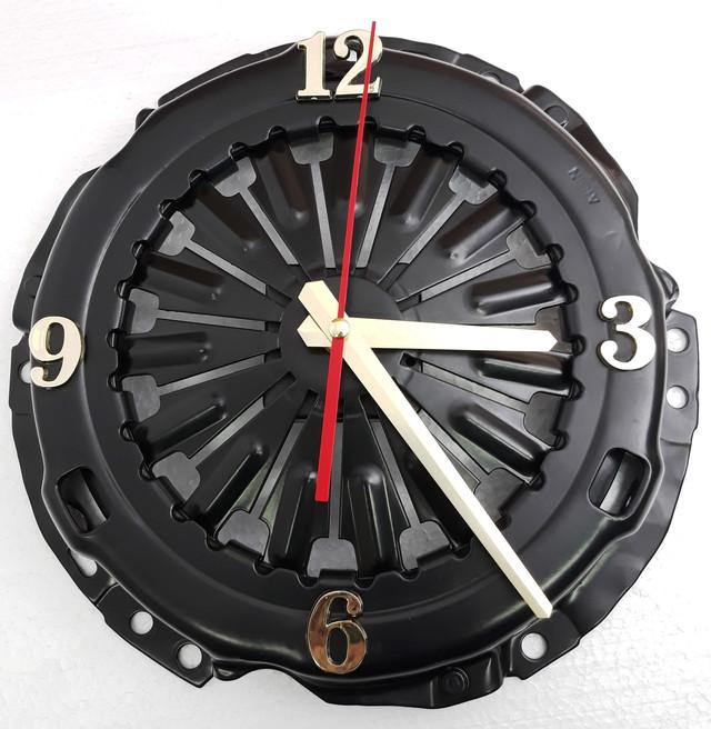 часы круглые из сцепления
