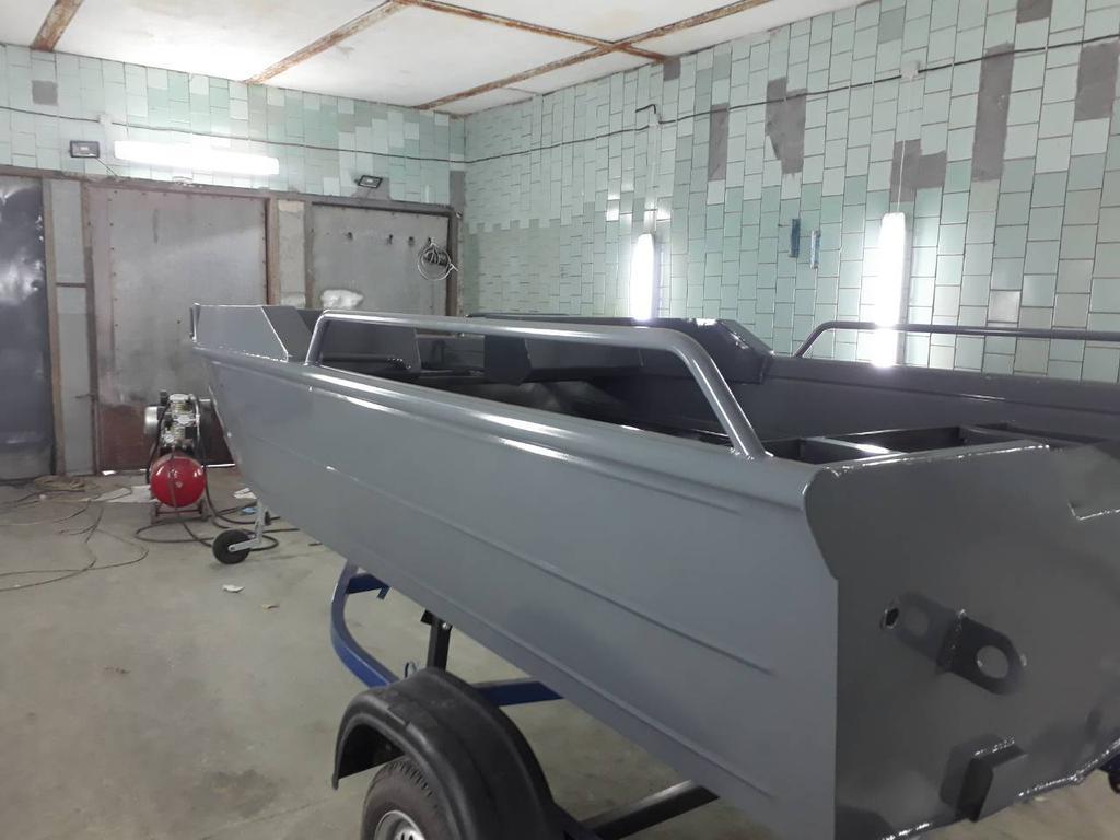 """Покраска алюминиевой лодки компании """"PowerBoat"""""""