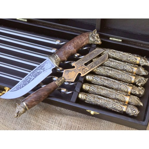 """Набор шампуров """"Дикие звери с ножом и вилкой """" в кейсе"""