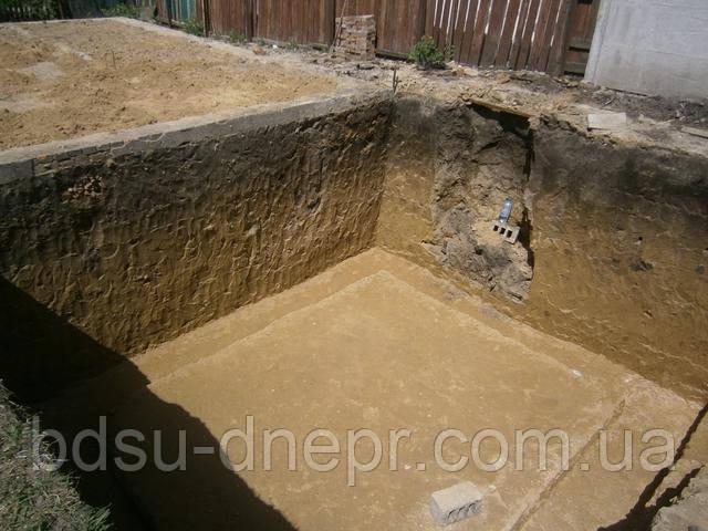 Устройство подвального помещения - выемка глины
