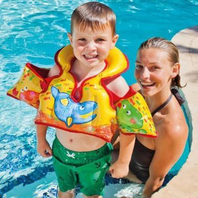 Надувные нарукавники, жилеты для плавания - фото