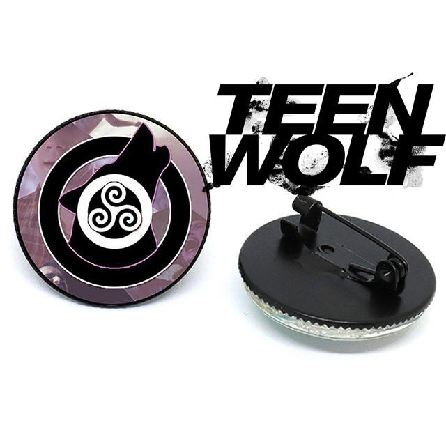 Значок брошь с изображением трискелиона Teen Wolf Волчонок черный