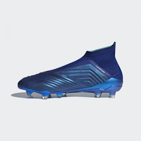 b32dd7574662 Футбольные бутсы Adidas Performance Predator 18+ FG (Артикул  CM7394) -  Адидас официальный