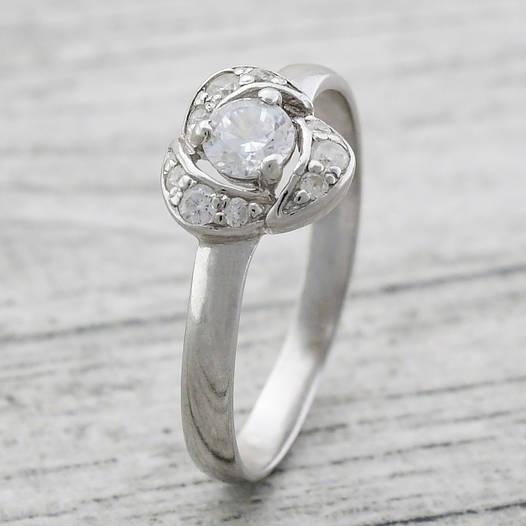 """Серебряное кольцо """"Лаватера"""", вставка белые фианиты, вес 1.49 г, размер 17"""