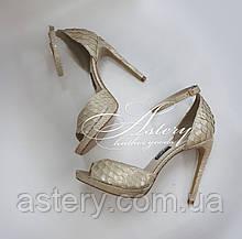 Женские свадебные золотисто-перламутровые босоножки из питона на высоком каблуке