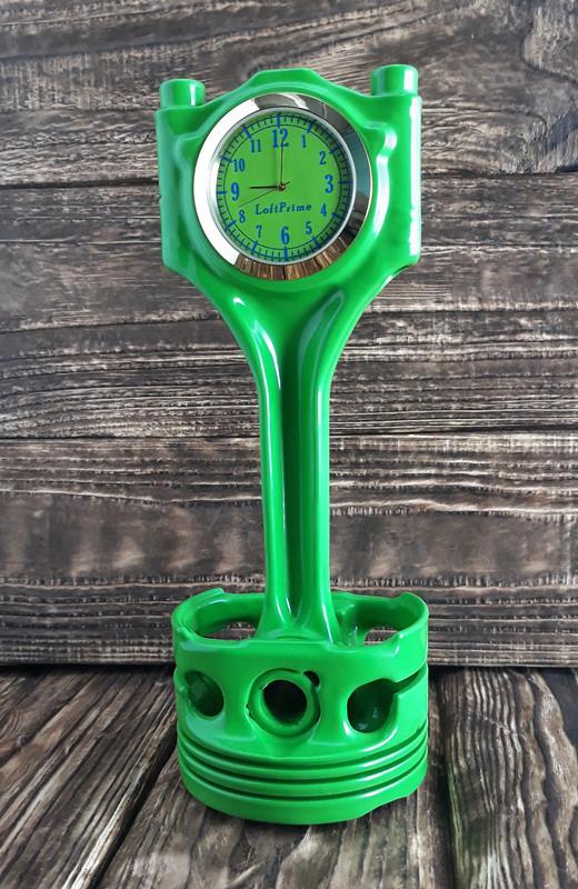 часы настольные из ярко зеленого шатуна