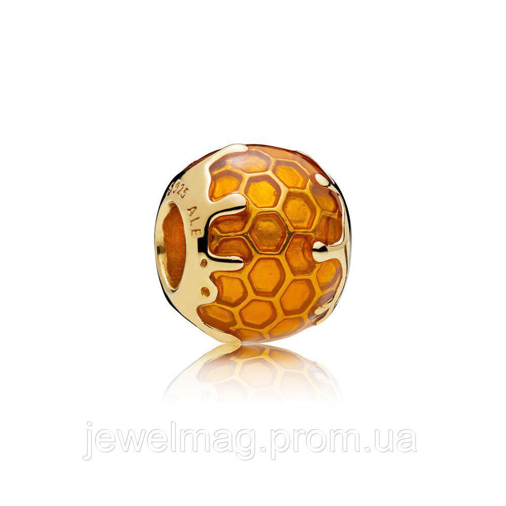 Шарм «Медовые соты» из серебра 925 пробы и золотым покрытием