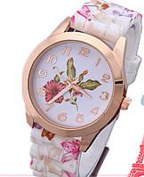 Часы наручные женские женева Цветы Гибискуса (первые справа)