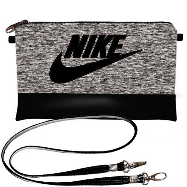 Черная спортиная сумка Nike