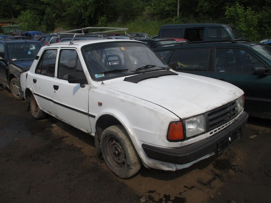 Авто під розбірку Skoda 125 1.2 1985