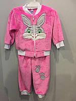 Махровый костюм с зайчиком для девочки, фото 1
