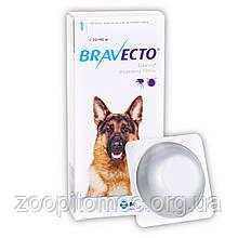 Жувальна таблетка BRAVECTO БРАВЕКТО від бліх та кліщів для собак 20 - 40 кг 1 табл.