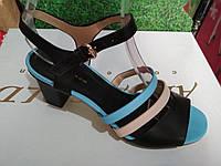 Женские босоножки на устойчивом каблуке, фото 1