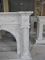 Камин  мраморный Милас перл с колоннами