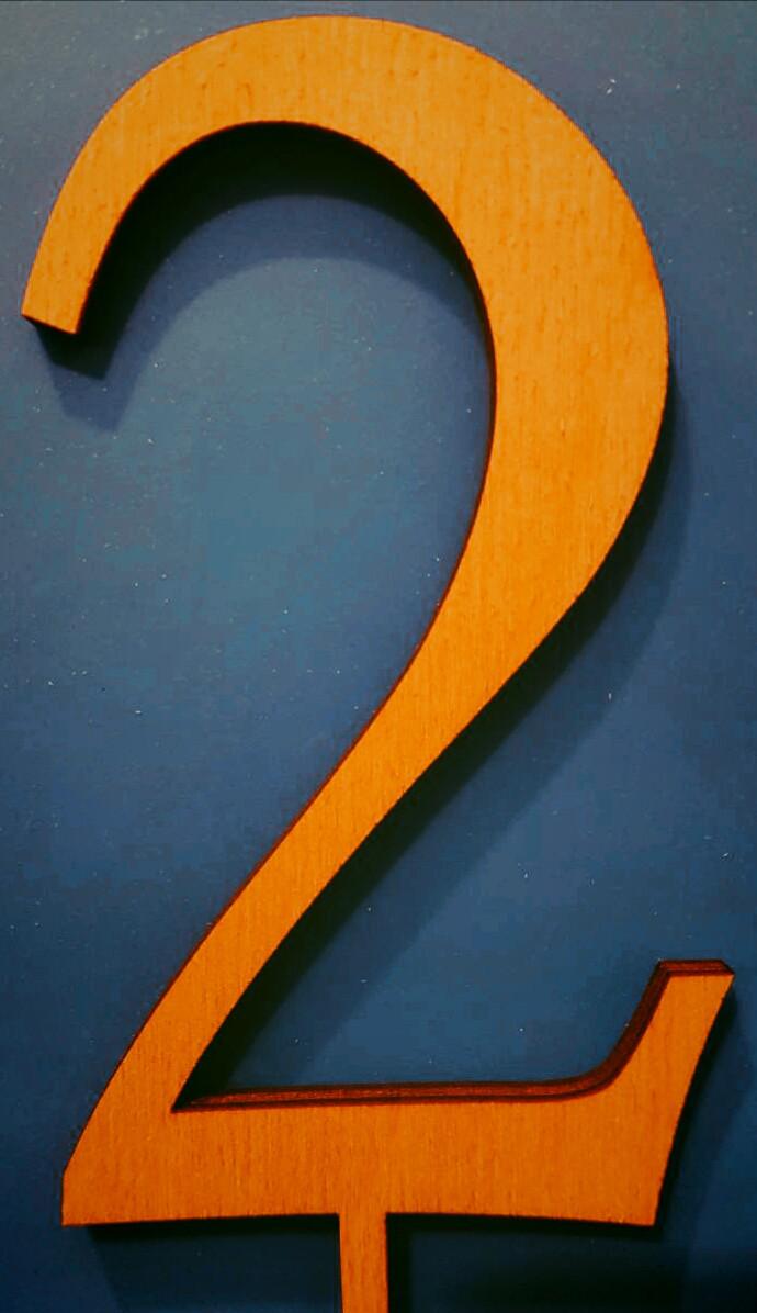 "Топпер деревянный ""Цифра 2"" 1 шт."