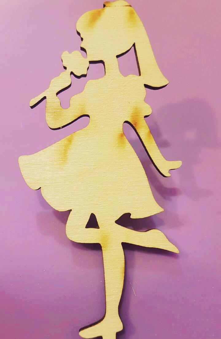 """Топпер деревянный """"Девочка с цветком"""" 1 шт."""