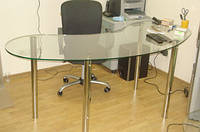Стеклянный компьютерный стол  D21