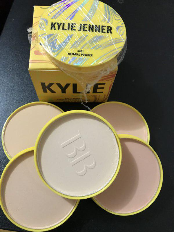 Компактная пудра Kylie Jenner 5 in1 natural pressed powder