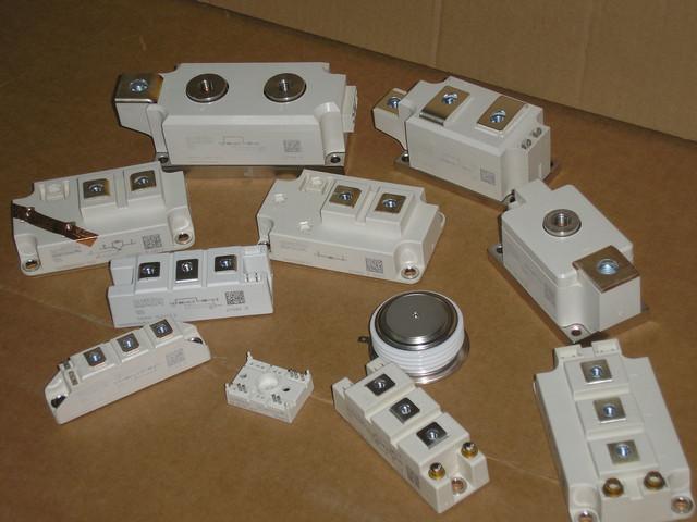 фото модулів та приладів Semikron